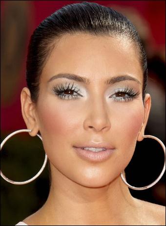 kim-kardashian-m_54135