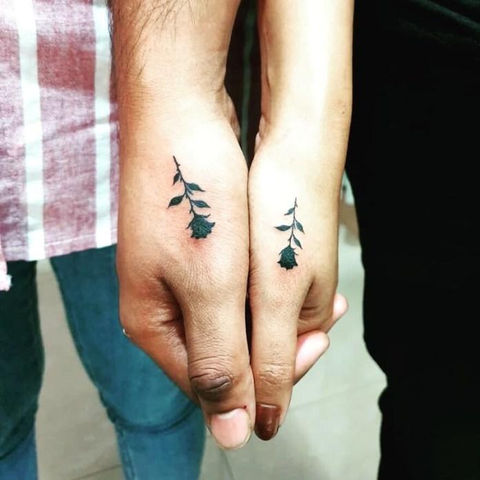 cliomakeup-tatuaggi-di-coppia-piccoli-fiore