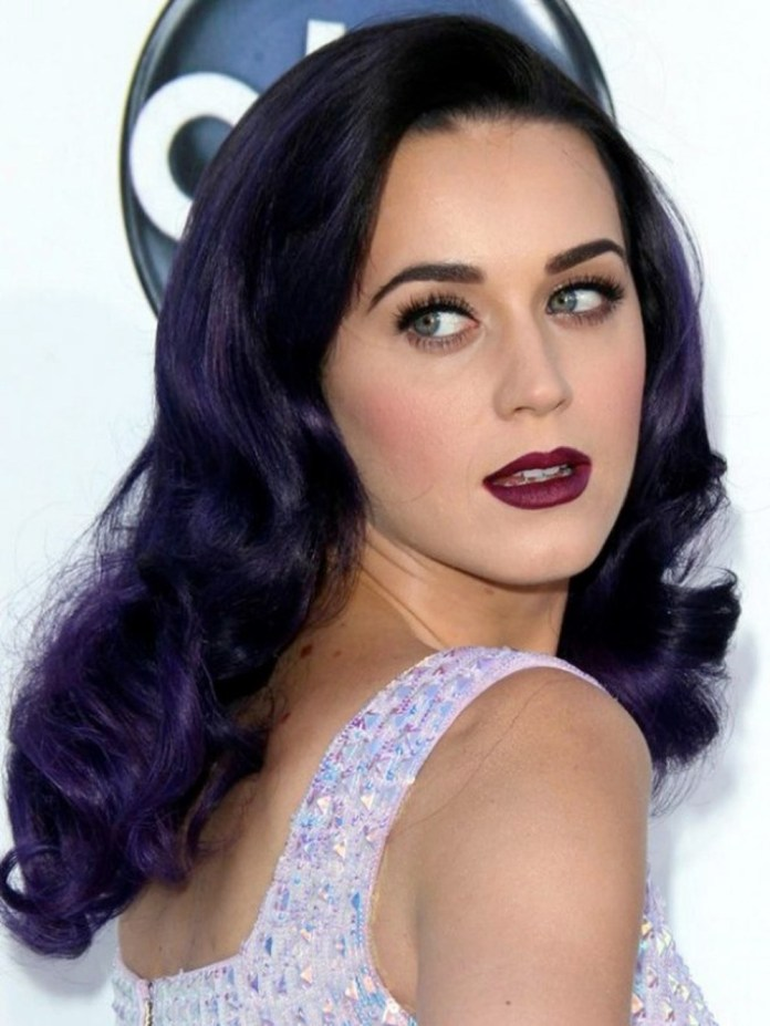 cliomakeup-rossetti-scuri-estate-prugna-katy-perry.jpg