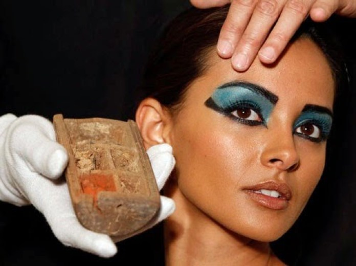 cliomakeup-make-up-nella-storia-mascara1.jpg