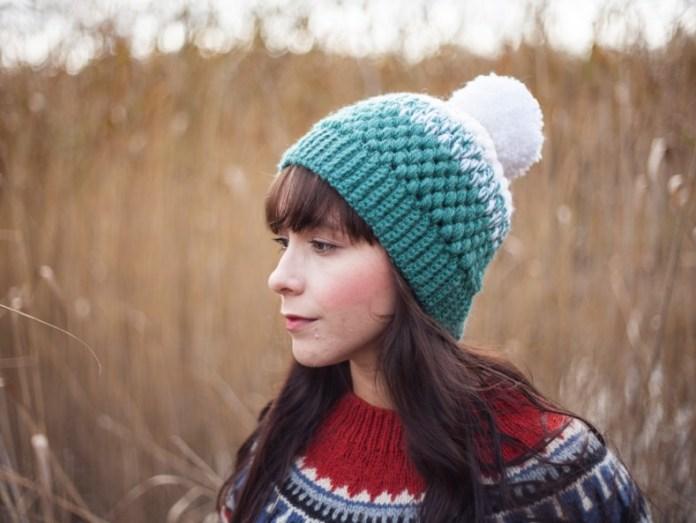 cliomakeup-come-indossare-i-cappelli-pom-pom-custom-watercolor-portraits.jpg