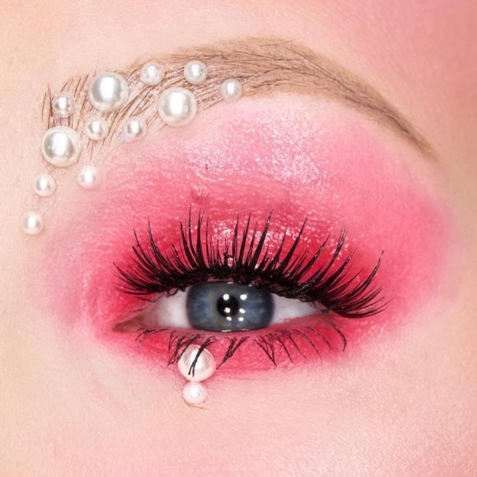 cliomakeup-ricreare-makeup-coachella-9-closeup-perle