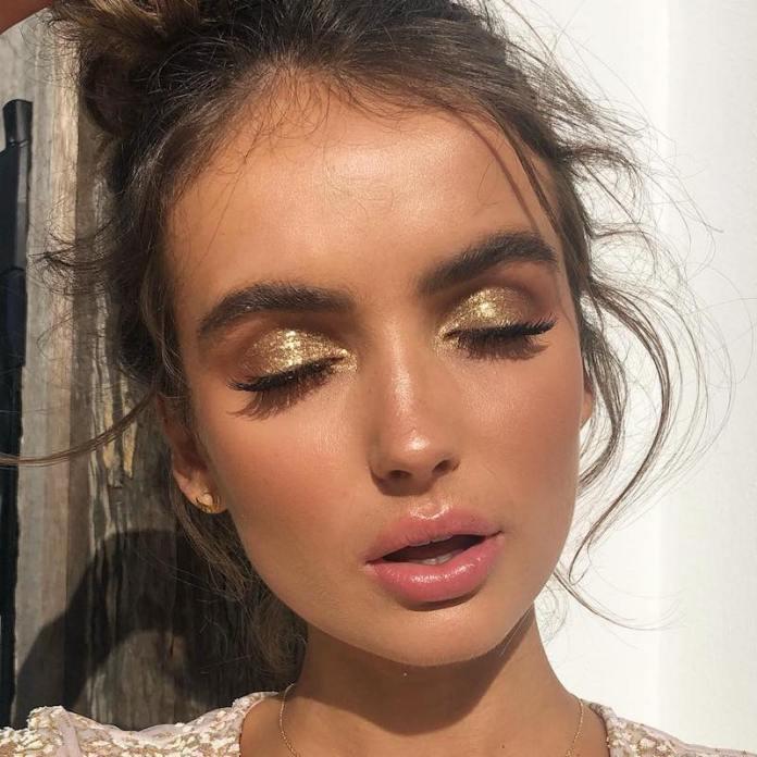 cliomakeup-realizzare-makeup-glitter-portabili-3-ombretto-glitterato