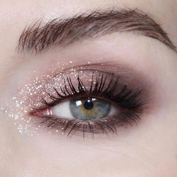 cliomakeup-realizzare-makeup-glitter-portabili-8-glitter-base-trasparente