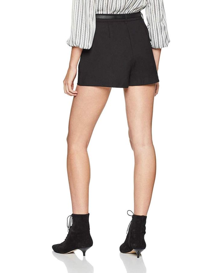 ClioMakeup-pantaloncini-corti-forme-coscia-8-new-look-belted-shorts-amazon.jpg