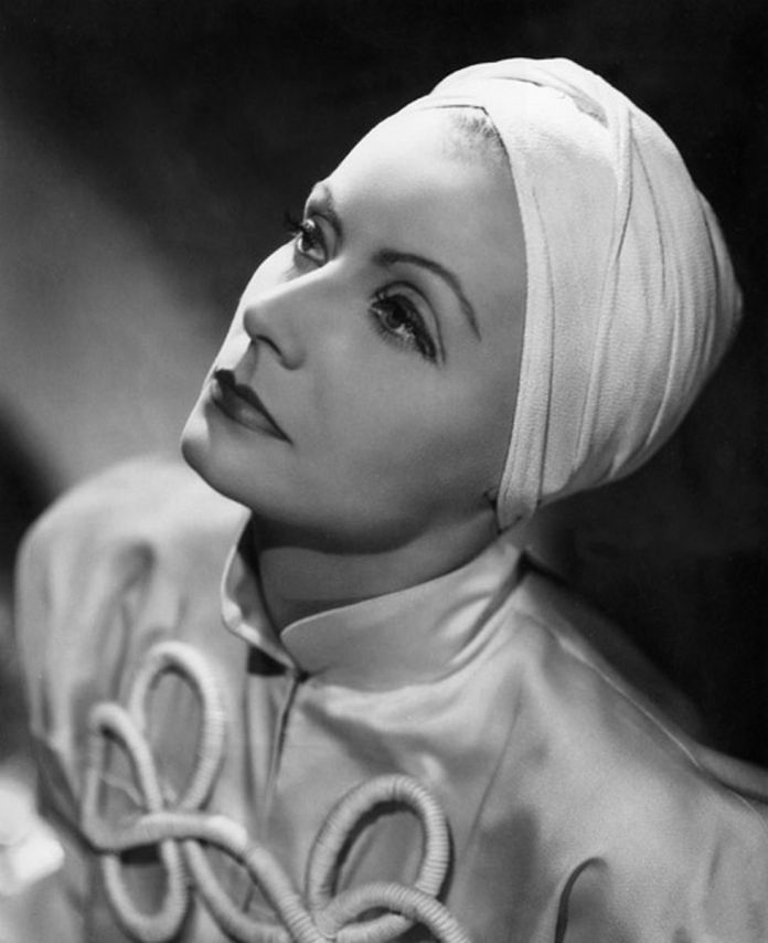 ClioMakeUp-turbante-capelli-estate-2019-2-greta-garbo