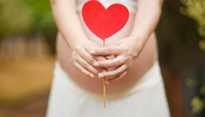 cliomakeup-sintomi-gravidanza-9-cuore-pancia