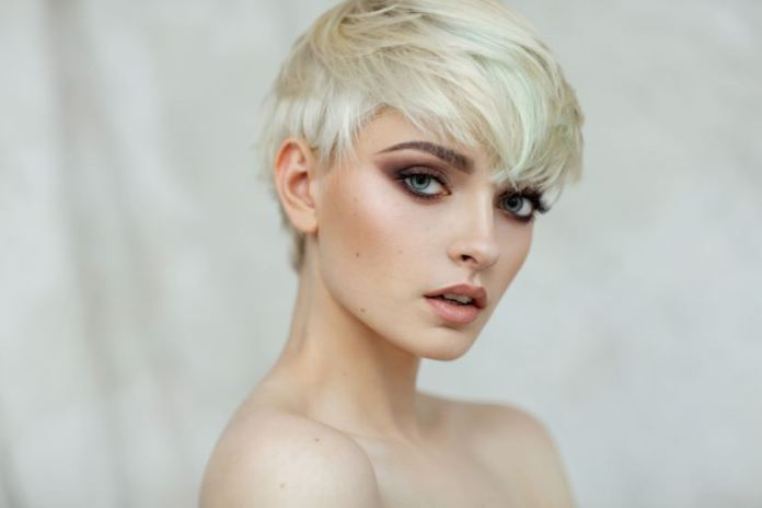 Cliomakeup-colore-capelli-icy-white-13-icy-blonde
