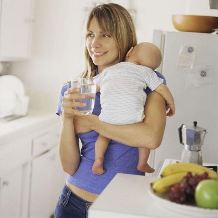 cliomakeup-alimentazione-in-allattamento-17-bresatfeeding-water
