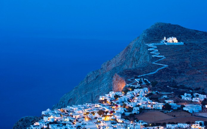 isole greche più belle: Hora, sull'isola di Folegandros