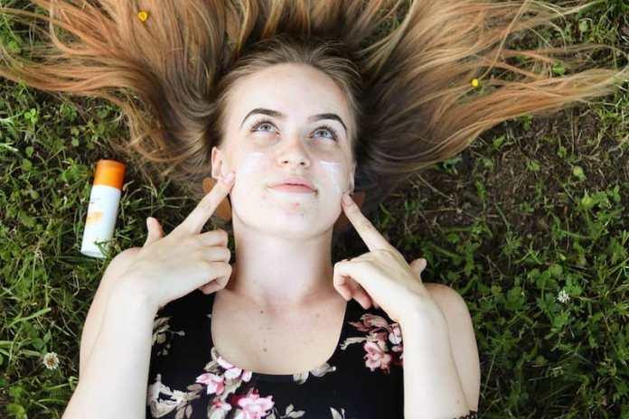 cliomakeup-protezione-solare-6-protezione-pelle-acne