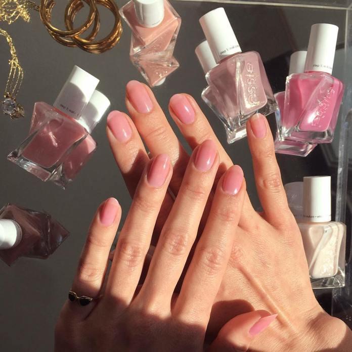 Cliomakeup-alpaca-grey-unghie-4-unghie-nude-rosa