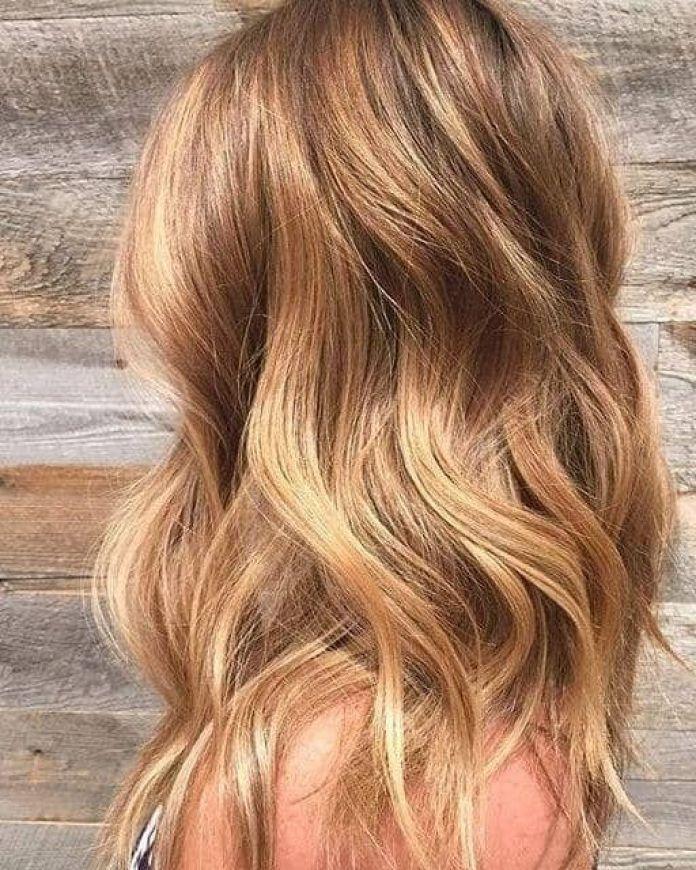 Cliomakeup-colore-capelli-biondo-miele-autunno-2019-17-beach-waves