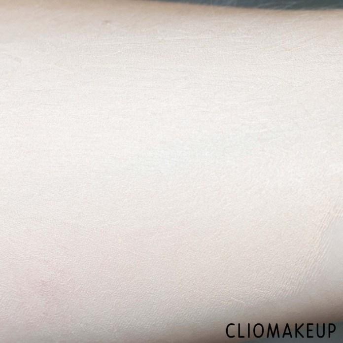 cliomakeup-recensione-fondotinta-urban-decay-stay-naked-weightless-liquid-foundation-8
