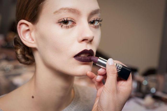 cliomakeup-rossetti-scuri-come-applicarli-struccarli-make-up-6-vampy-look