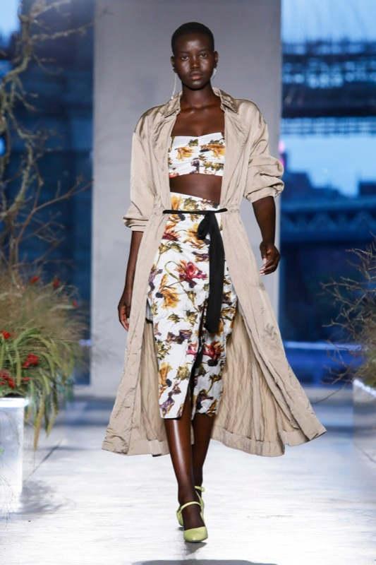 cliomakeup-trend-estate-2020-ny-fashion-week-14-abito-fiori-giacca