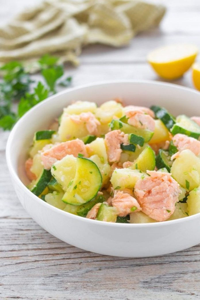 cliomakeup-unghie-spezzate-10-salmone