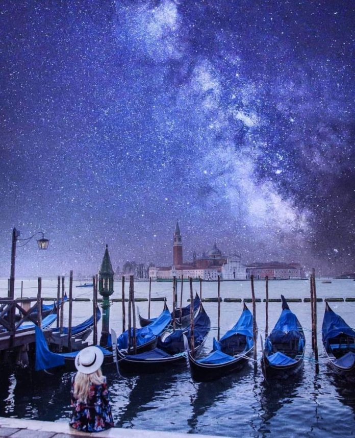 viaggio a venezia: sedersi ad ammirarla di notte è un must do