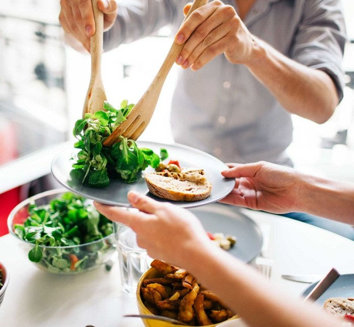 cliomakeup-dieta-gift-8-eating-vegetables