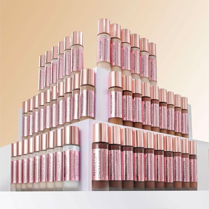cliomakeup-recensione-fondotinta-revolution-makeup-conceal-and-hydrate-3