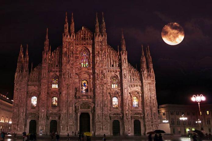 Viaggi Halloween: il Duomo di Milano è abitato da un fantasma di nome Carlina