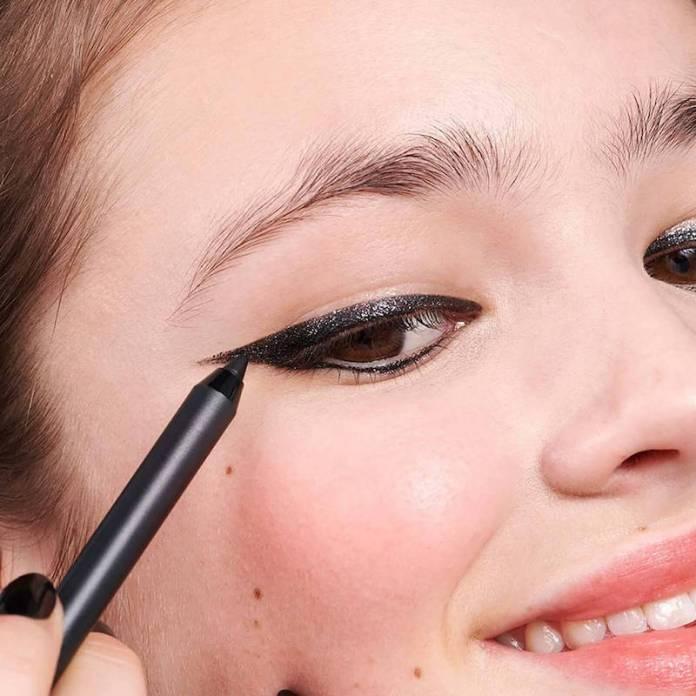 ClioMakeUp-migliori-matite-occhi-nere-18-3ina-the-glitter-eye-pencil.jpg