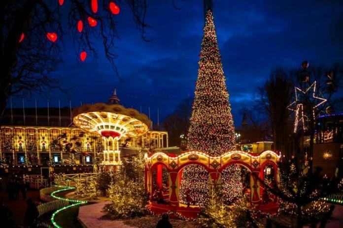 Tivoli addobbata per il Natale è tra le destinazioni low cost di novembre