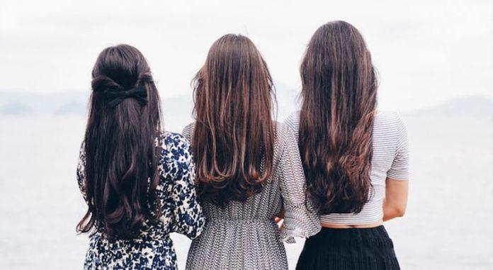 cliomakeup-cura-capelli-lunghi-autunno-14-piega