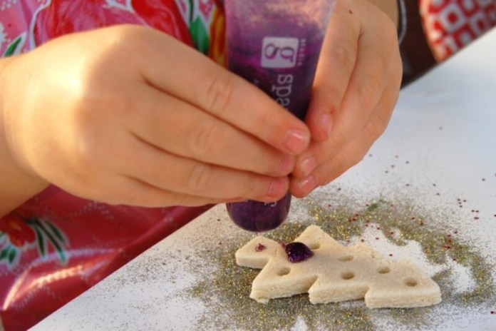 la pasta di sale è la regina dei lavoretti di natale per bambini