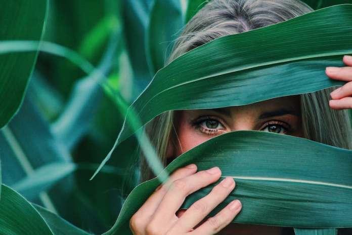 ClioMakeUp-colori-personalità-19-verde-ascolto.jpg