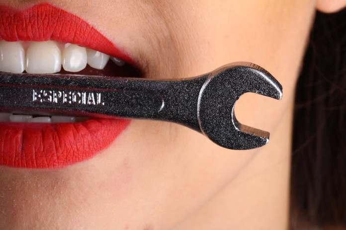 ClioMakeUp-migliori-integratori-secondo-farmacisti-13-denti-sani.jpg