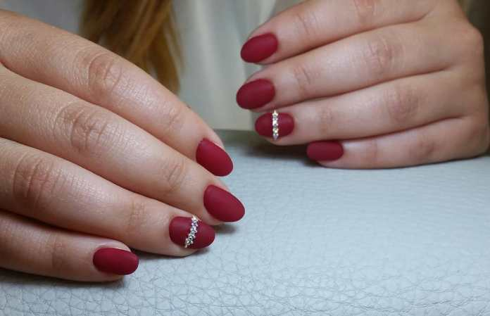 Cliomakeup-unghie-rosso-cherry-pie-13-glorianailsebeauty