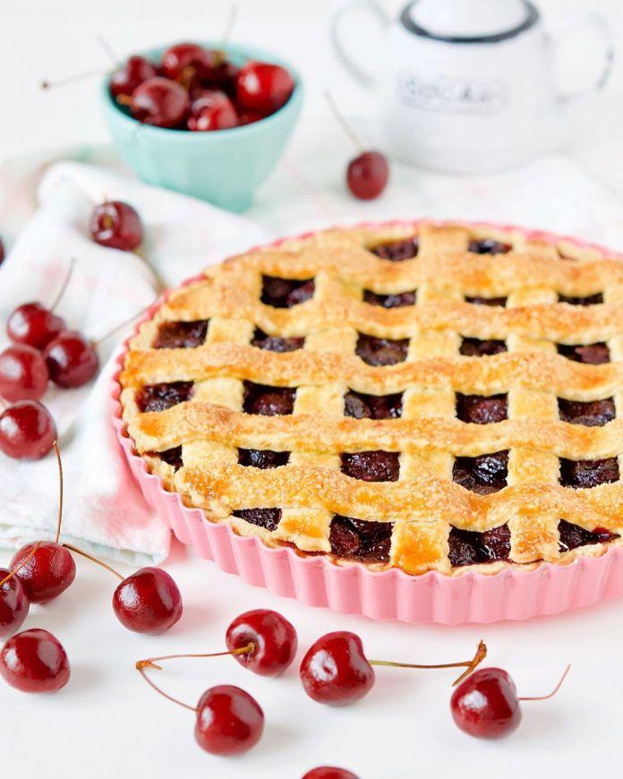 Cliomakeup-unghie-rosso-cherry-pie-2-crostata-ciliegie