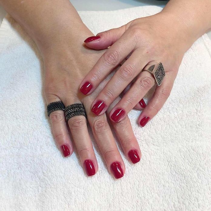 Cliomakeup-unghie-rosso-cherry-pie-7-angels_hair_studio_and_nails