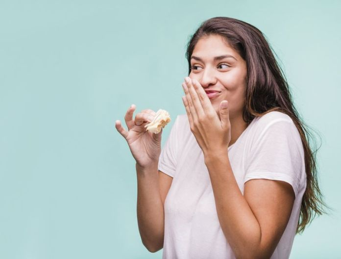 cose da non fare durante il ciclo: evitare cibi troppo salati