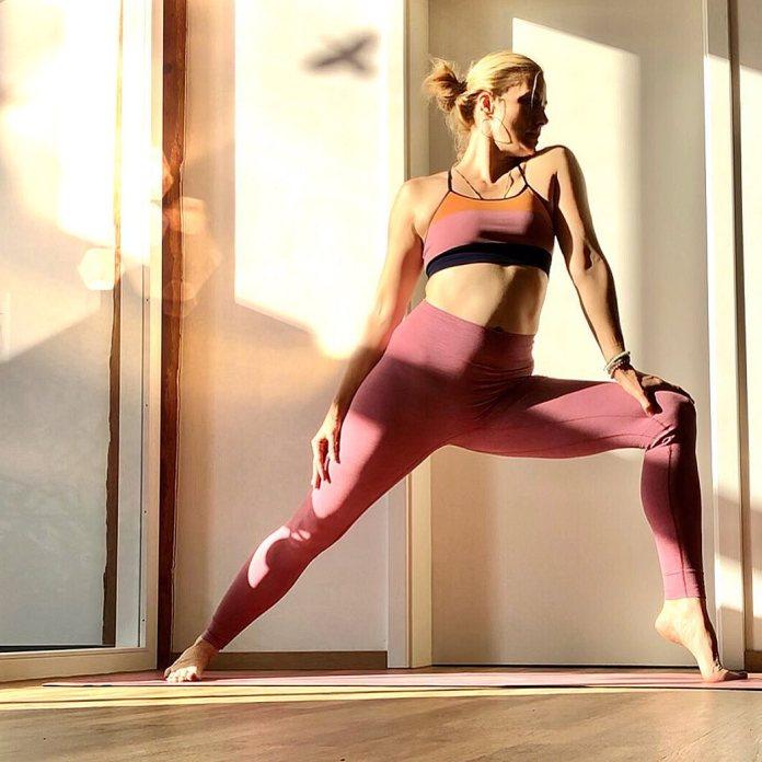 cliomakeup-esercizi-pettorali-14-stretching
