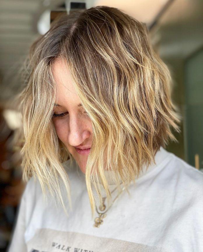 Cliomakeup-capelli-carre-16-mosso-biondo