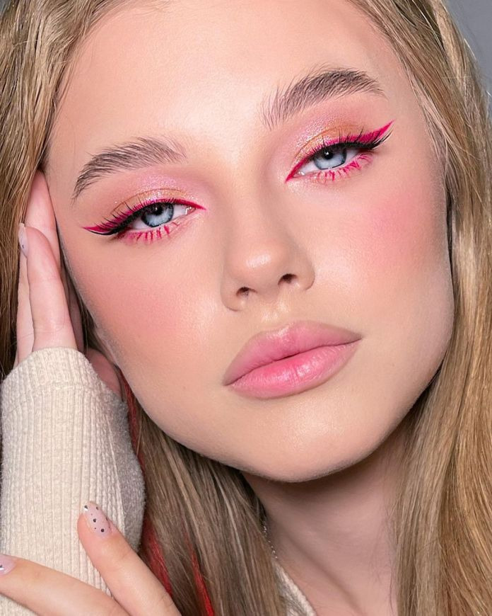Cliomakeup-trucco-occhi-colorati-estate-2021-d-aleksandri-eyeliner-rosa