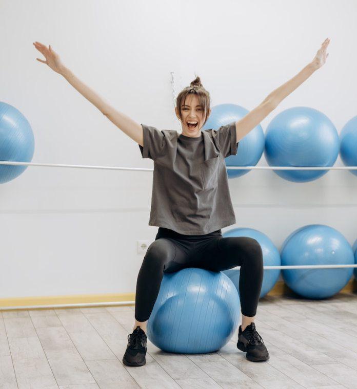 cliomakeup-esercizi-con-fitball-teamclio-16