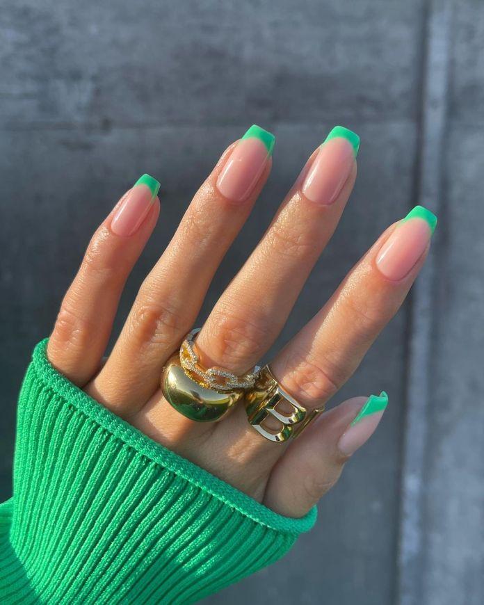 Cliomakeup-unghie-estive-semplici-2021-french-manicure-verde