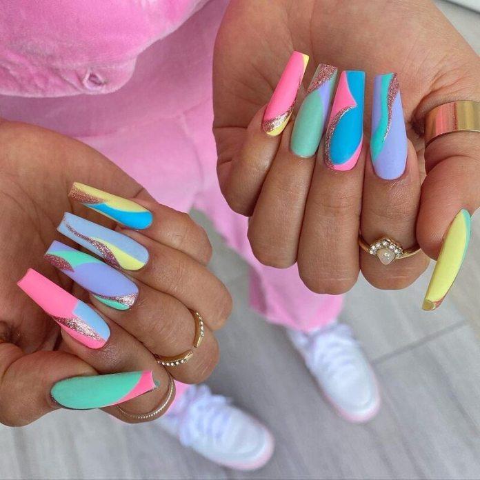 cliomakeup-color-block-nails-2021-unghie-lunghe