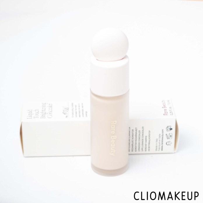 cliomakeup-recensione-correttore-rare-beauty-liquid-touch-brightening-concealer-4
