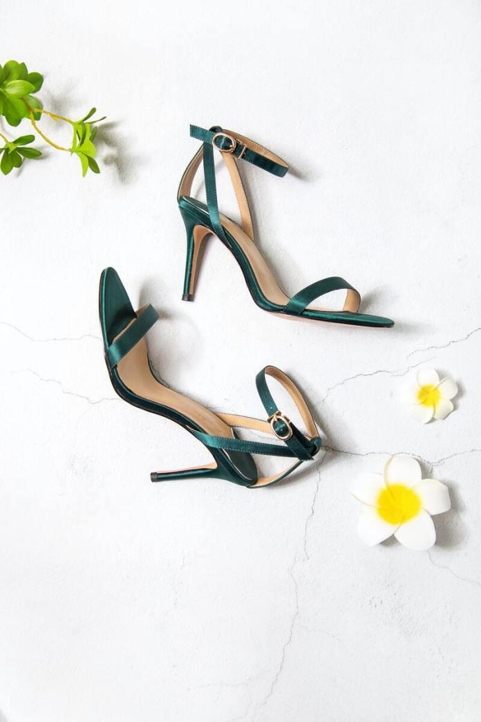 cliomakeup-scarpe-che-fanno-male-sandali