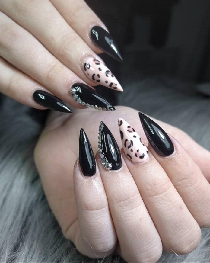 cliomakeup-unghie-a-punta-nere-nail-art
