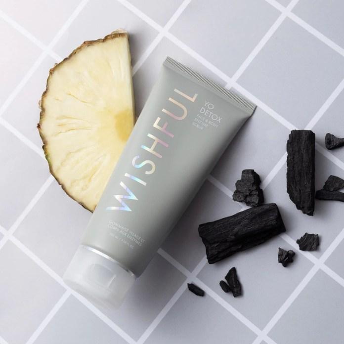 cliomakeup-prodotti-prolungare-abbronzatura-wishful-scrub-enzimatico