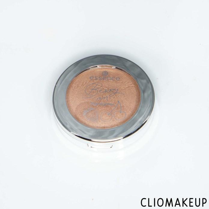 cliomakeup-recensione-illuminante-essence-berry-on-highlighter-2