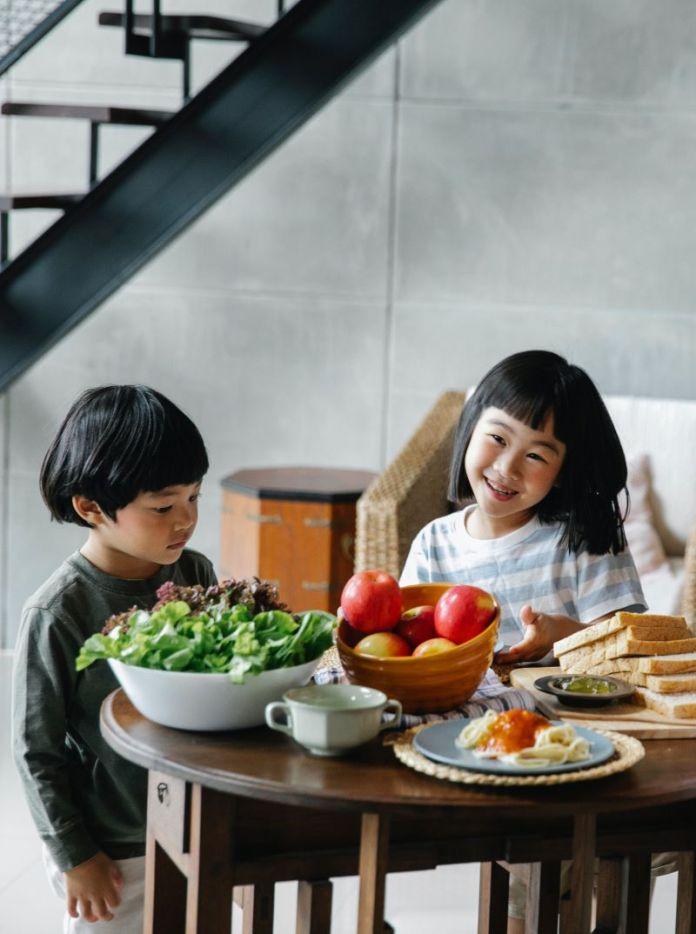 Cliomakeup-bambini-a-tavola-3-sana-alimentazione