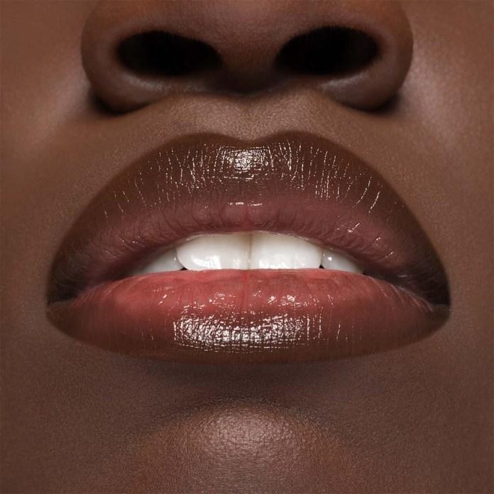 Cliomakeup-lip-balm-and-glam-smile-coccolove-pelle-scura