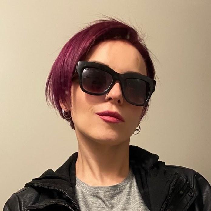 cliomakeup-colore-capelli-viola-grape-autunno-2021-3