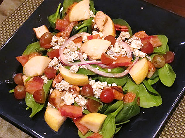 Spinach, Chicken, Pear and Blue Cheese Salad